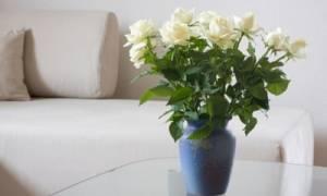 Что добавить, чтобы розы стояли в вазе дольше